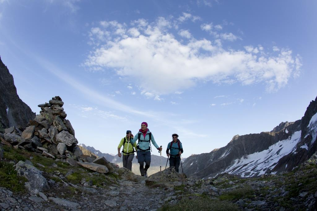 Bergsteiger an der Verpeilspitze, Kaunergrat, Oetztaler Alpen, Tirol, Oesterreich.